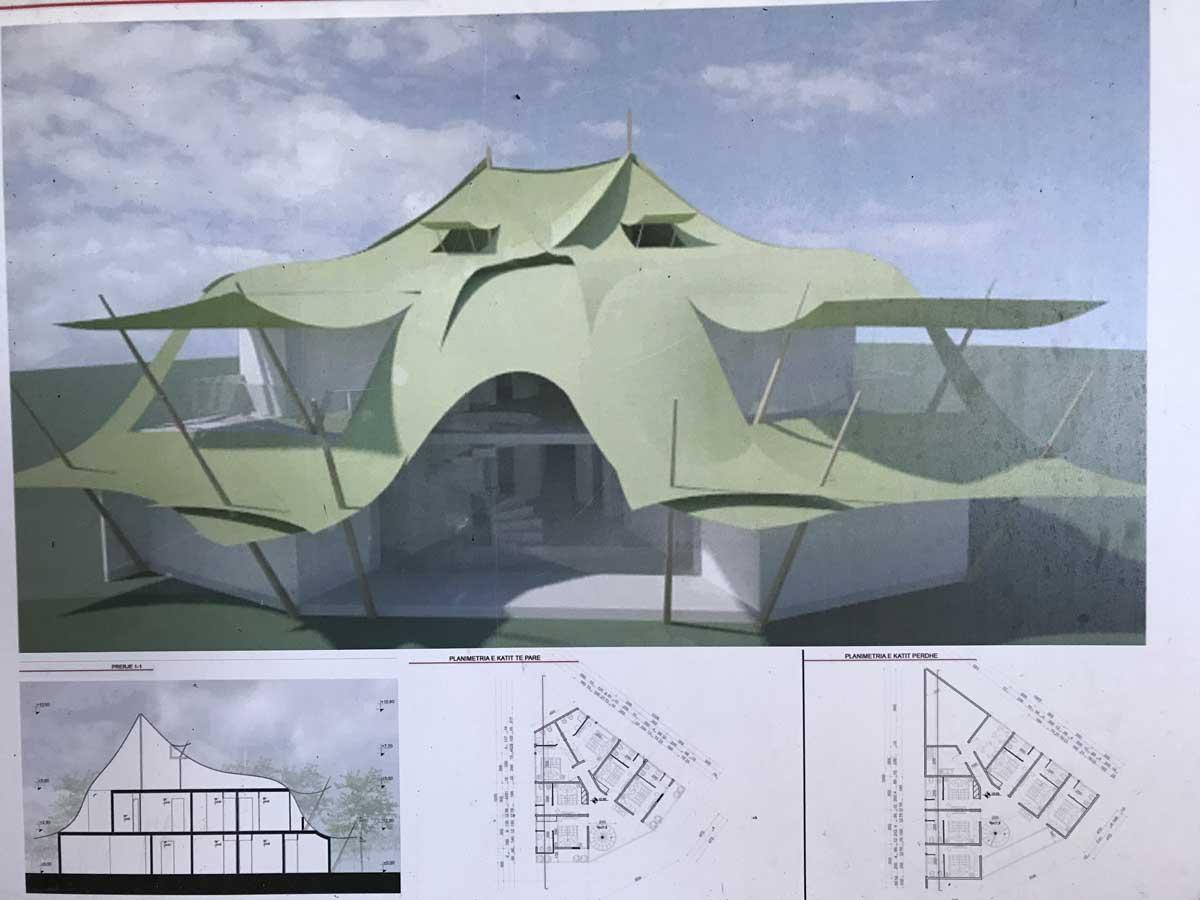Dieser Pavillon entsteht gerade unter Franc' Aufsicht.