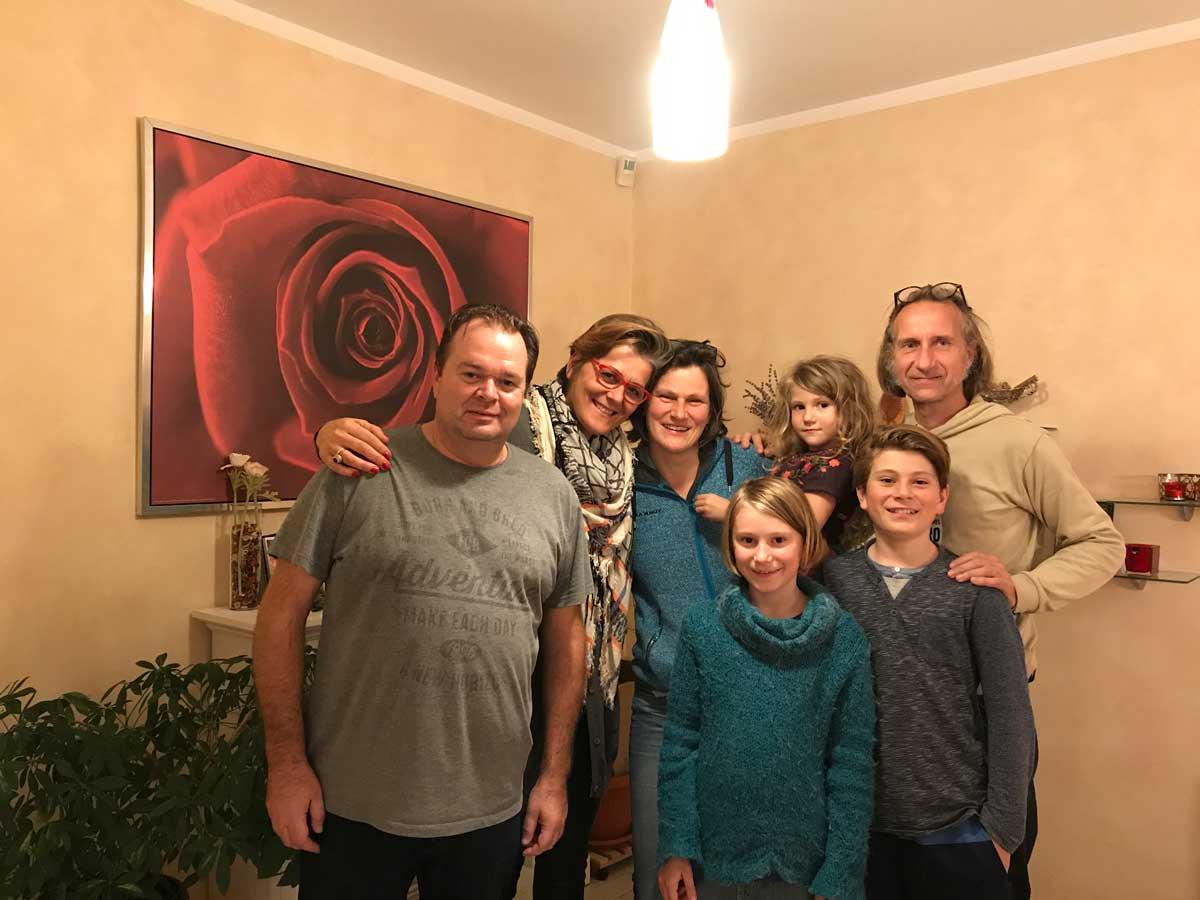 """Zu Besuch beim """"König von Montenegro"""". Michael Bader ist der hauptprotagonist in der Montenegro-Reportage auf SAT EINS und kennt sich bestens aus in dem Land und seinen vielfältigen Landschaften. Er versucht, einen nachhaltigen und umweltfreundlichen Tourismus zu etablieren. Noch ist er leider eher ein Exot."""